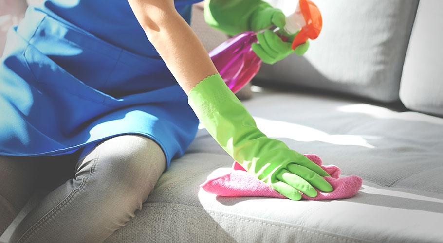 Sağlıklı ve Hızlı Bir Şekilde Koltuk Lekesi Nasıl Temizlenir?