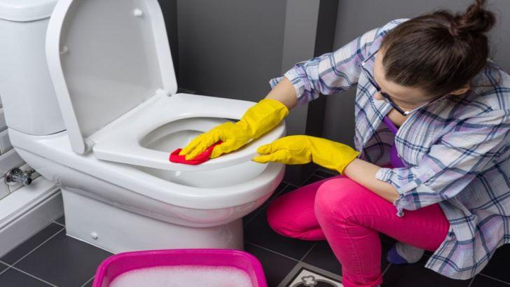 Tuvalet Taşındaki Sarı Leke Nasıl Temizlenir?